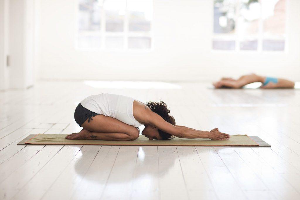 Terapia yoga con masaje